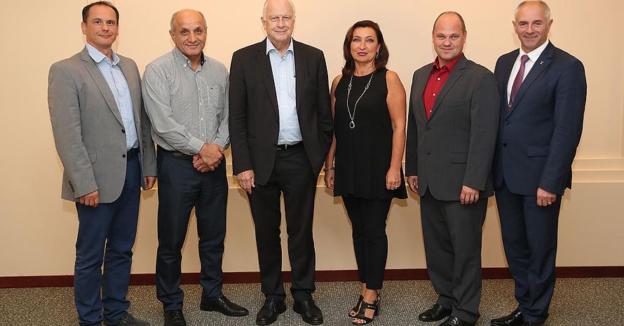 Das Präsidium der neugegründeten EOA mit Sasa Ceraj, Lozan Mitev, Manfred Lämmer, Maria Bulatova, Ales Solar, und Ivans Klementjevs (v.l.) (es fehlt Marion Guigon-Lacroix ). Foto: DOA