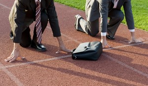 """Junge Führungskräfte starten auf den """"Paths to success"""". Foto: picture-alliance"""