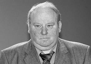 """Gerd Bonk ist tot. Das Foto zeigt ihn 2002, als er in Berlin mit dem Georg-von-Opel-Preis in der Kategorie """"Besondere Kämpfer"""" ausgezeichnet wurde. Foto: picture-alliance"""
