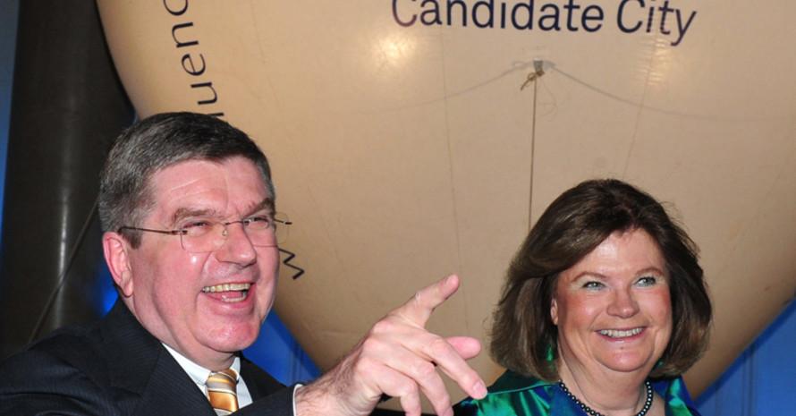 DOSB-Präsident Thomas Bach mit der Vorsitzenden der IOC Evaluierungskommission Gunilla Lindberg. Foto: picture-alliance