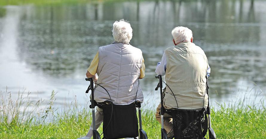 """Das Programm """"Älter werden in Balance"""" hat das Ziel, Krankheiten und Einschränkungen vorzubeugen und Pflegebedürftigkeit hinauszuzögern. Foto: BZgA/Fotolia"""