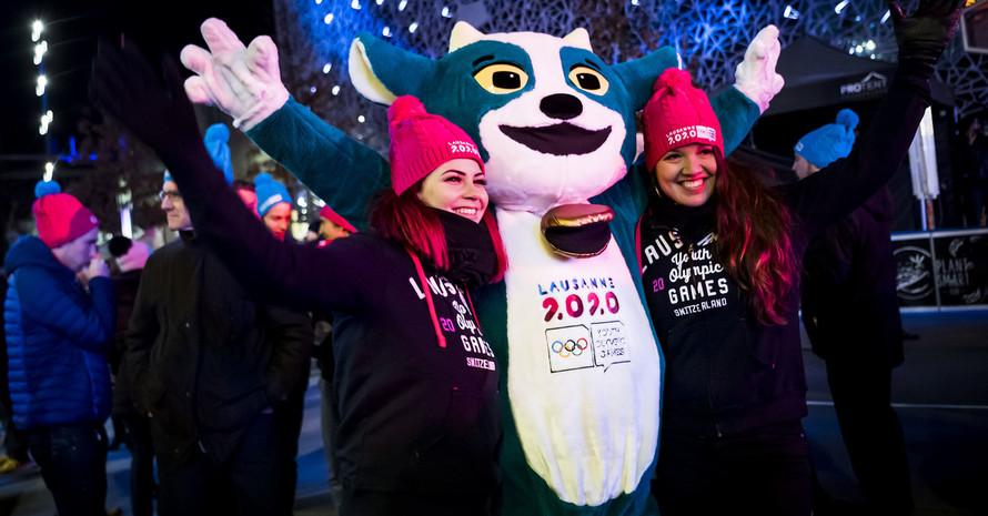 Maskottchen Yodli wirbt für die Jugend-Winterspiele. Foto: picture-alliance