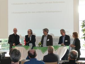 Podiumsdiskussion beim Bildungsforum in Kamen-Kaiserau mit DOSB-Vizepräsidentin Gudrun Doll-Tepper (r.). Foto: DOSB