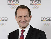 Alfons Hörmann äußert sich zum Thema Sport und Integration. Foto: DOSB