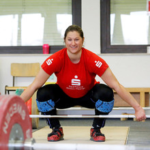 Gewichtheberin Nina Schroth