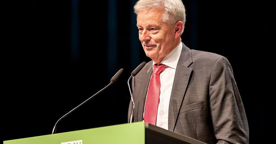Josef Klenner bleibt Präsident des Deutschen Alpenvereins. Foto: DAV/Nils Noell