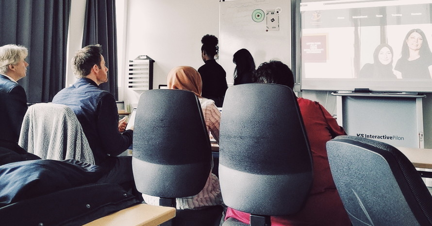 Finale Präsentation der Projektergebnisse vor den Vereinsvertreterinnen und Lehrkräften der Medienschule