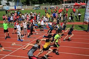 Über 3.000 Kinder machten beim Auftakt der Sportabzeichen-Tour 2019 in Cottbus mit. Foto: Treudis Naß