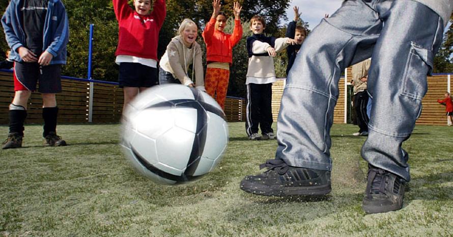 Kinder und Jugendliche sollten im Sportverein mitreden und mitmachen dürfen. Copyright: picture-alliance