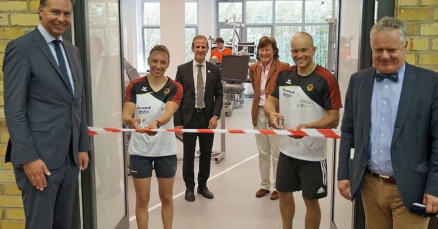 Die Kanuslalom-Weltmeister Andrea Herzog und Franz Anton eröffnen das neue Biomechanik-Zentrum des Instituts für Angewandte Trainingswissenschaft in Leipzig. Foto: IAT/Uta Büttner