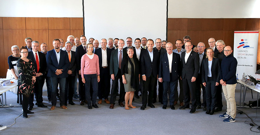 Vertreter*innen der Landessportbünde beim Treffen in Berlin. Foto: LSB Berlin/Engler