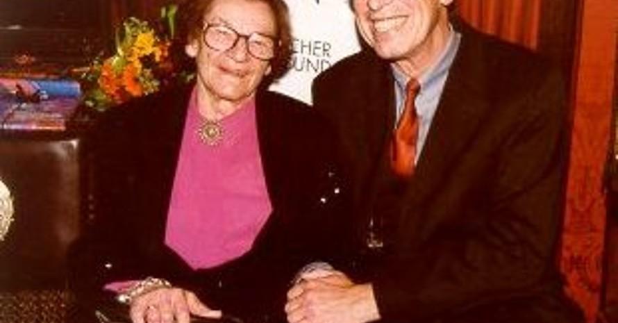 Ingeborg Bausenwein mit dem ehemaligen Bremer Oberbürgermeister Henning Scherf. Foto: DOSB-Archiv