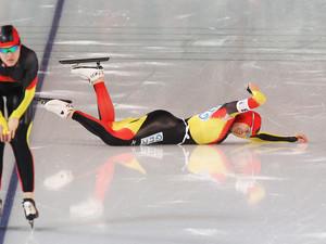 Trotz Sturz zu Gold: Die deutschen Eisschnellläuferinnen. Copyright: picture-alliance
