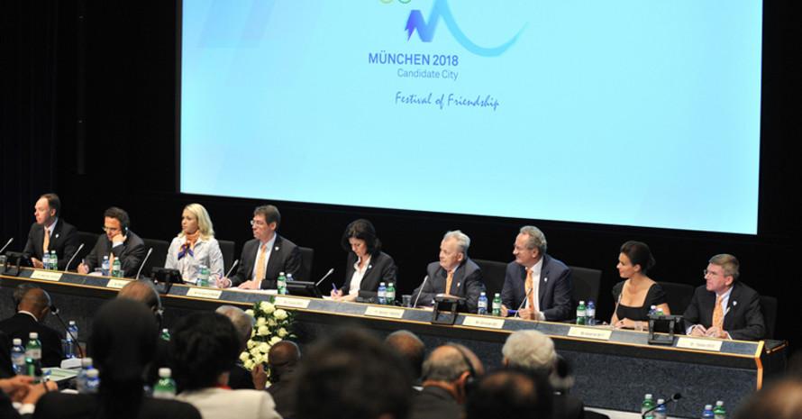 Die Münchner Delegation bei der Präsentation vor dem IOC in Lausanne. Foto: DOSB