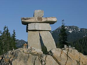 Das offizielle Symbol der Olympischen Spiele in Vancouver: Ilaanak. Copyright: picture-alliance