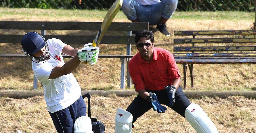Demonstration der Sportart Cricket beim Vereinsfest des Stützpunktvereins SV 90 Niederkrossen.