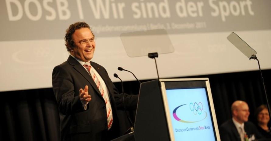 Bundesinnenminister Hans-Peter Friedrich nahm Stellung zum Stellenwert des Sports in der Politik. Foto: picture-alliance/Frank May