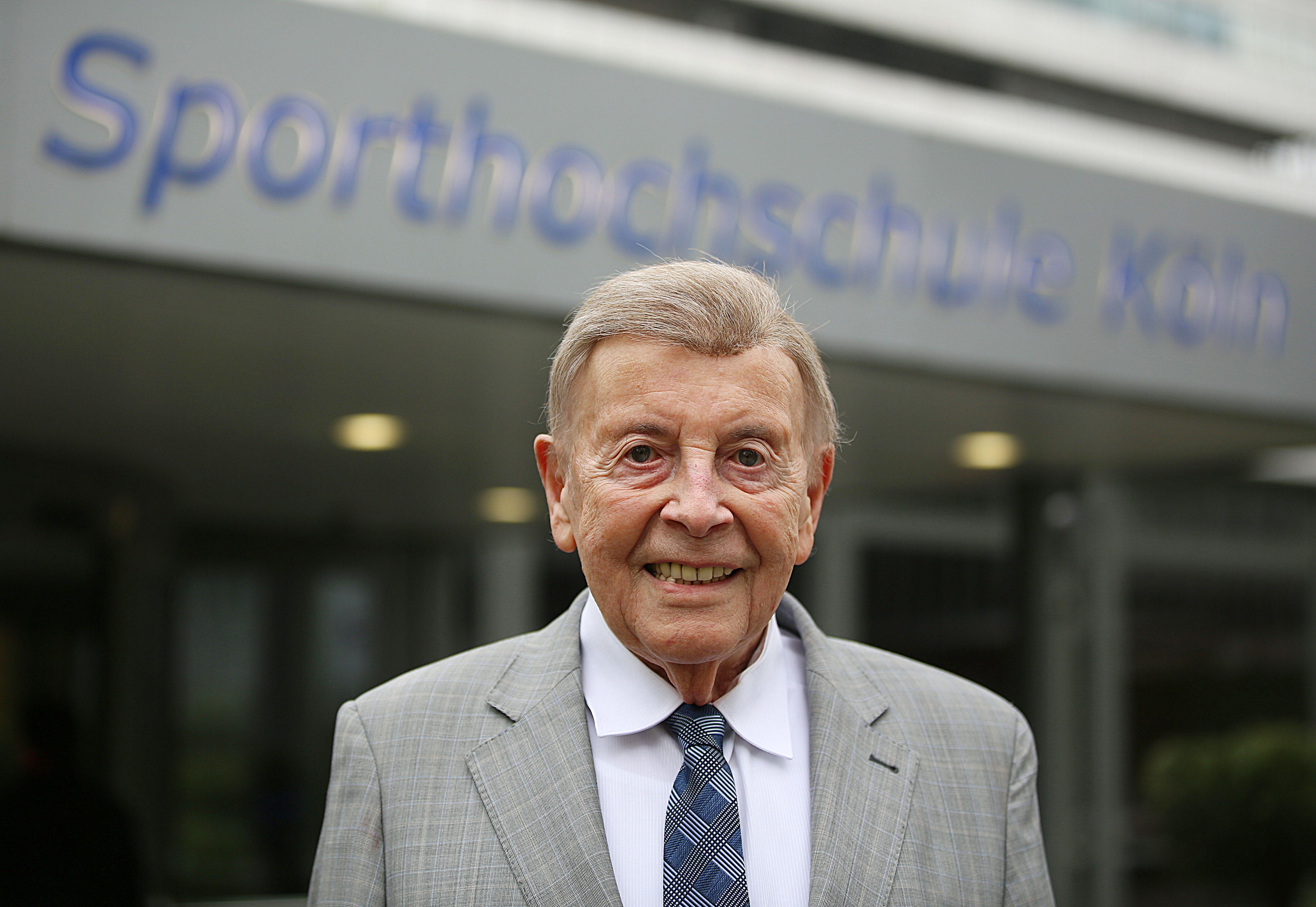 Sportmediziner Hollmann vollendet 95. Lebensjahr