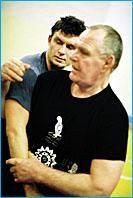 """Peter Surikow (vorn): Trainer und """"Integrationsmeister"""" (alle Fotos: Landessportbund NRW)."""