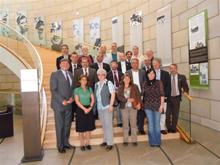 Gruppenfoto mit der Delegation und Landtagsabgeordneten Wolfgang Roth (SPD)