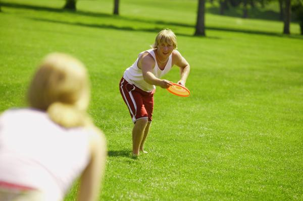 Frisbee ist eine der Sportarten, die Besucher der igs 2013 ausprobieren können. Foto: picture-alliance