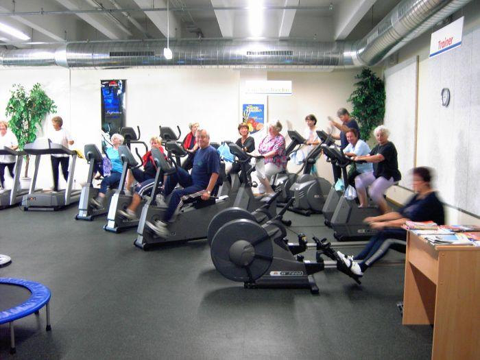 Immer häufiger leisten sich Sportvereine ein eigenes Fitness-Studio, um den Bedürfnissen der Mitglieder gerecht zu werden. Foto: picture-alliance