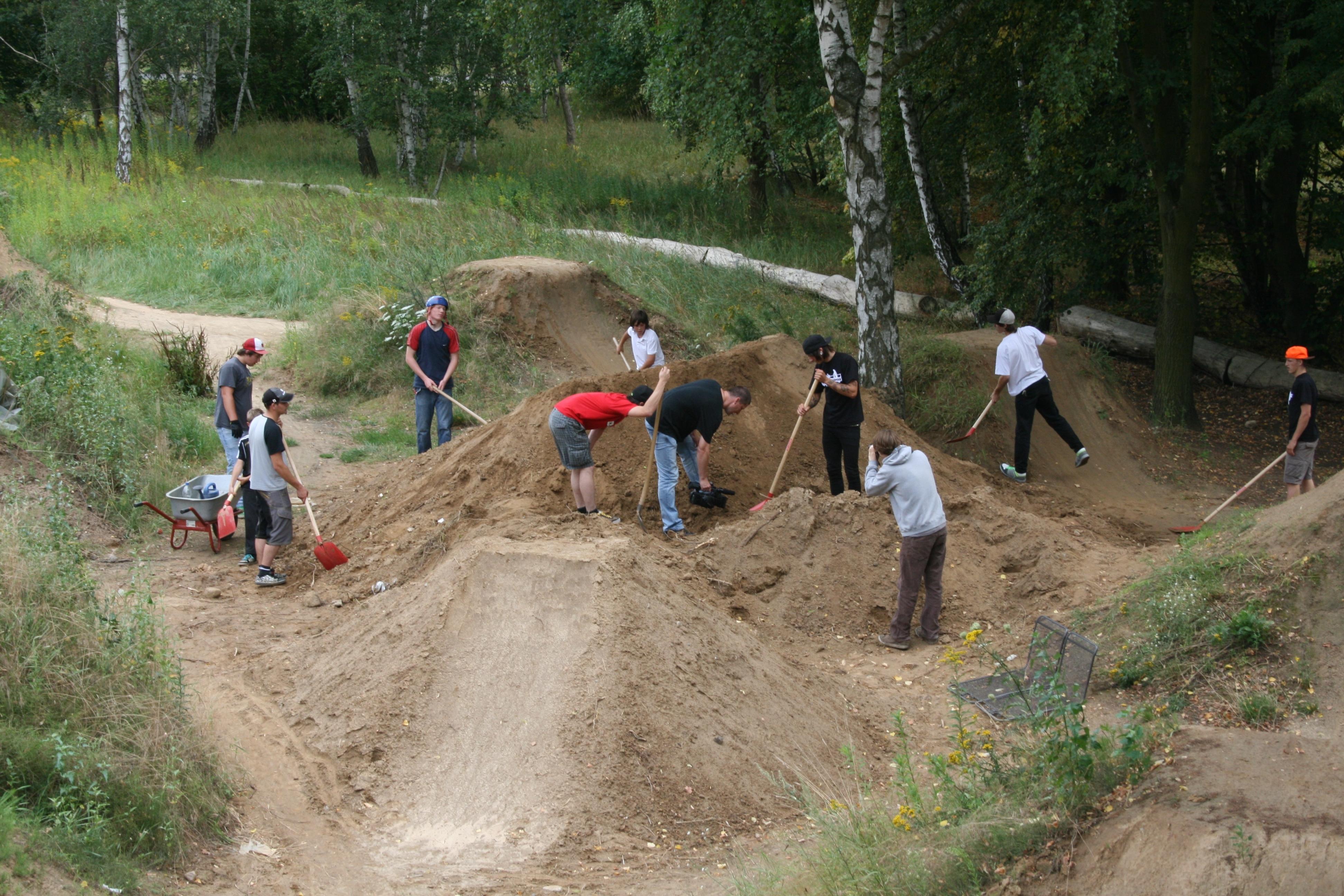 Die Vorbereitungen waren harte Arbeit (Quelle: Pic Trail Raiders)