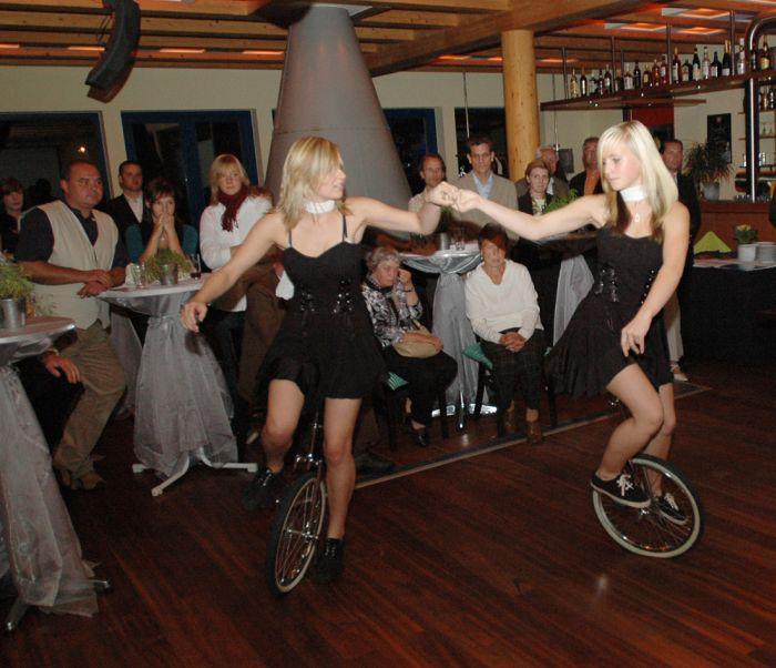 Die Einradgirls vom SV-Blau-Weiß-Ziltendorf bei einem ihrer Auftritte