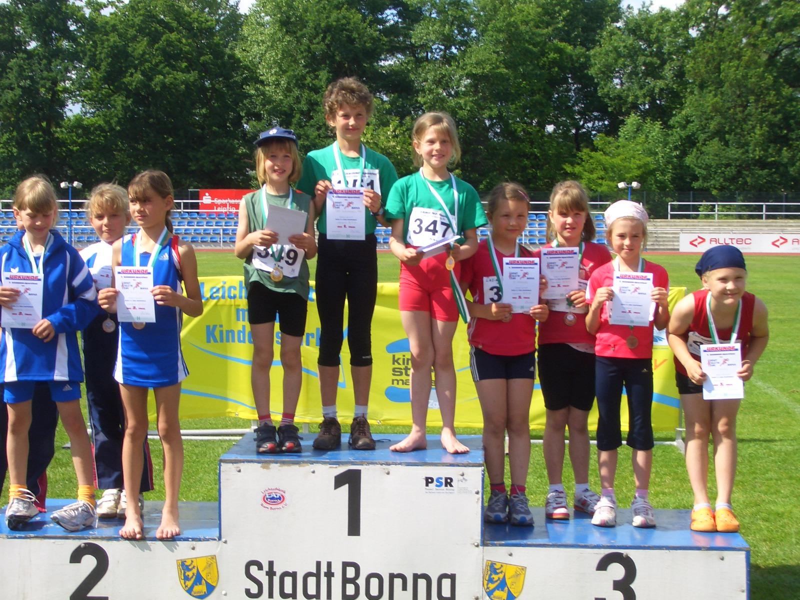 1. Platz für die Mädchen-Staffel von der TSG Markkleeberg in der Altersklasse unter 8 Jahre bei den Bambiniwettkämpfen in Borna ( Quelle: TSG Markkleeberg von 1903 e.V.)