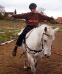 Die Kinder bauen zu den Pferden Vertrauen auf (Quelle: Uckermaerker Pferdesportverein e.V.)