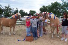Die Kinder genießen jede Minute mit den Pferden (Quelle: Uckermaerker Pferdesportverein e.V.)