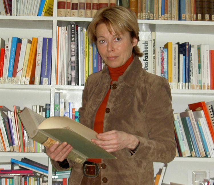 Dr. Petra Tzschoppe in ihrem Büro an der Uni Leipzig (Foto: P. Tzschoppe)