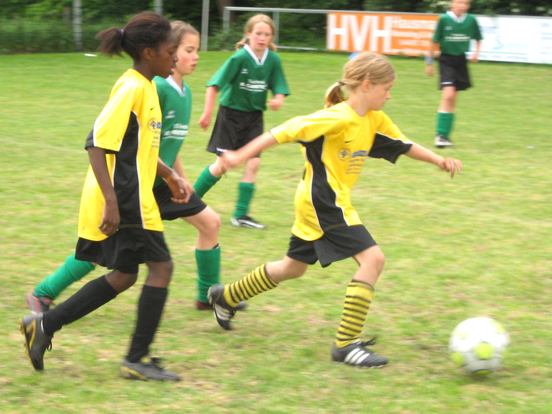 """Aus dem Abseits ins Leben"""" - Mädchenfußball als Weg aus der Isolation (Quelle: FC Ohmstede)"""