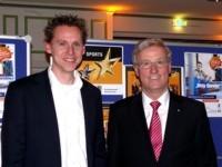 """Frank Busemann und der Vorstandsvorsitzende der Volksbank Nordheide eG beim Start der """"""""Sterne des Sports"""""""" 2010"""