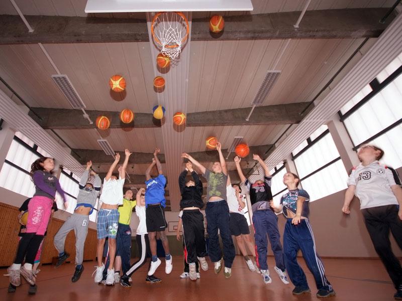 """Mit BIG hoch hinaus: Die Maßnahme des OTB, der Uni Oldenburg und der Baskets Akademie gewinnt Silber bei den """"Sternen des Sports"""" 2012. (Quelle: BIG)"""