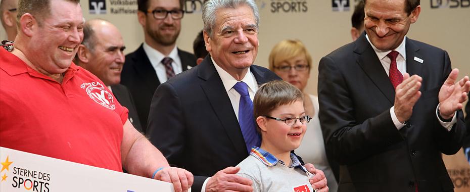 """Verleihung der Goldenen """"Sterne des Sports"""" 2014 am 28.01.2015 in der DZ Bank in Berlin. v.l.n.r.: Guido Kersten (Berliner Wasserratten gegr. 1889 e.V.),"""