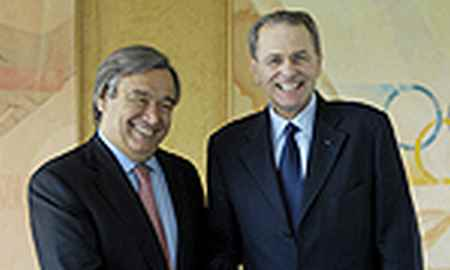 UNHCR-Kommissar Guterres mit IOC-Präsident Jacques Rogge (r.) in Lausanne. Copyright IOC/Tobler