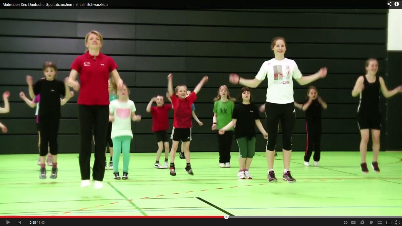 Screenshot von youtube.com/mydosb, Lilli Schwarzkopf im Training mit Kindern
