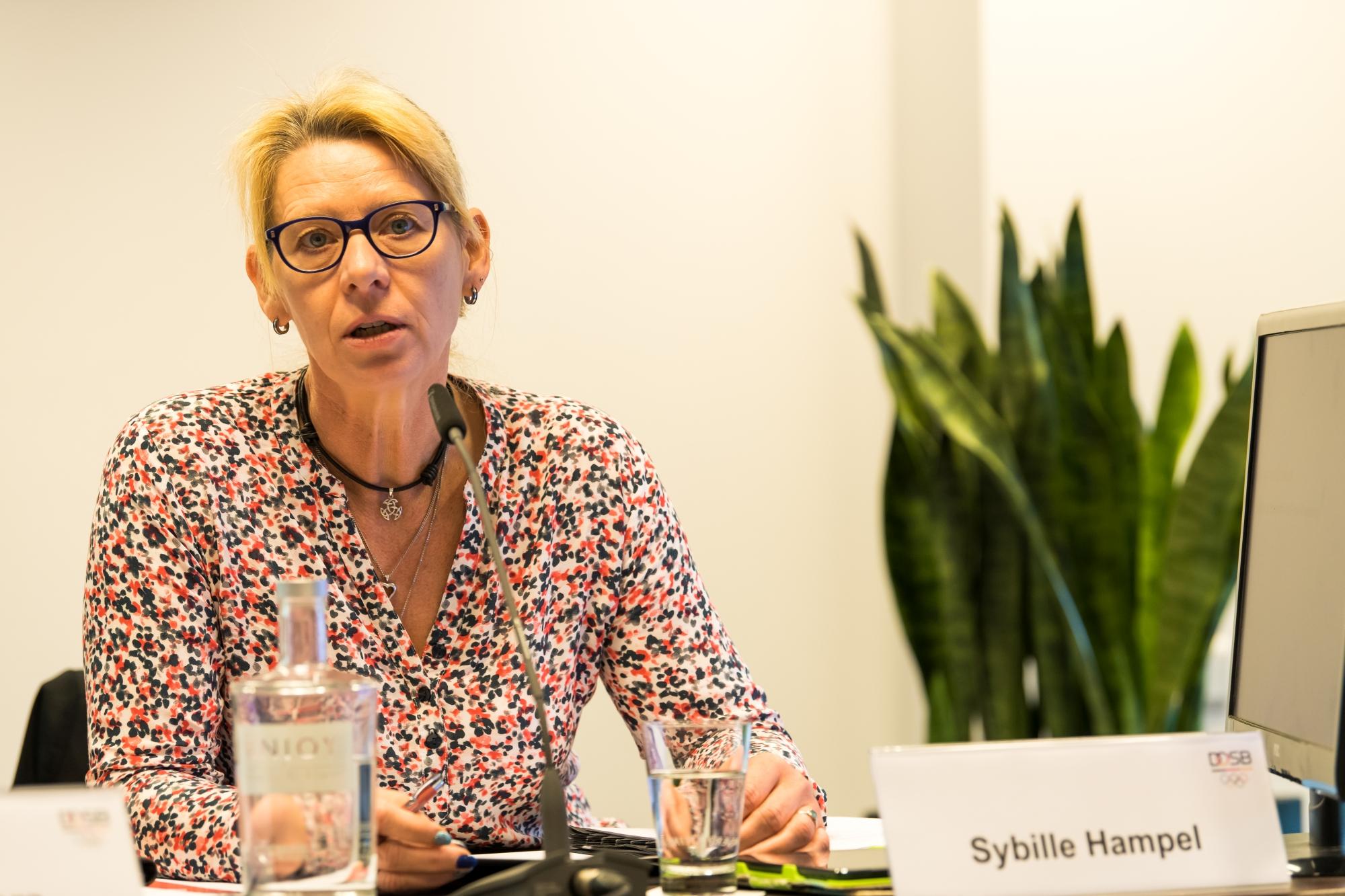 15 13. Frauen Vollversammlung am 22. 23. September 2018 in Duesseldorf 7df16cae0a